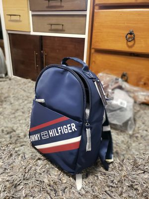 Pretty tommy Hilfiger backpack for Sale in Los Angeles, CA