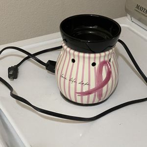 SCENTSY RIBBONS OF HOPE BREAST CANCER AWARENESS FULL SIZE WAX WARMER for Sale in Albuquerque, NM