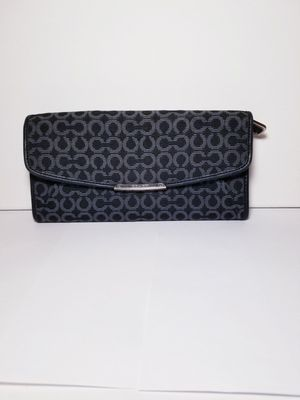 Coach Madison envelope wallet NO SHIPPING for Sale in Wichita, KS