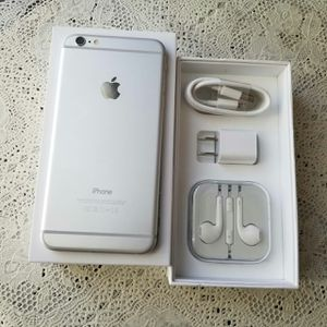 IPhone 6 Plus , UNLOCKED  (Excellent  Condition /  Functional / Clean  ) for Sale in Springfield, VA