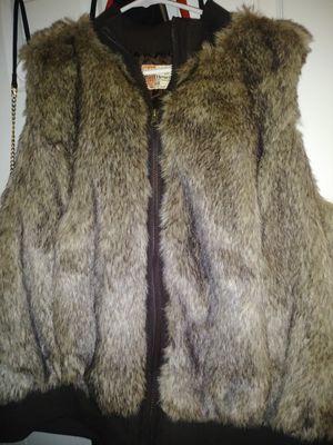 Fur vest L for Sale in Monroe, MI