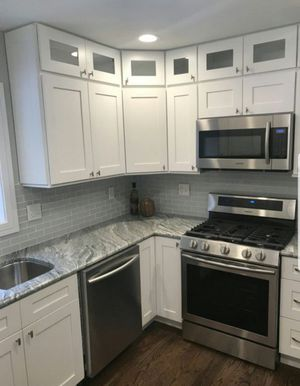 Kitchen cabinets for Sale in Downers Grove, IL