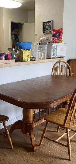 Kitchen Table With Leaf N 5 Chairs for Sale in Tacoma,  WA