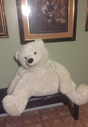 Big!! Teddy bear great for Valentine's Day 💞💝 for Sale in Garland, TX