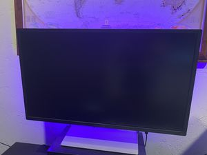 HP Pavillon monitor 32inch for Sale in Hollywood, CA