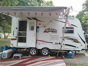 2011 coachman apex Viking 19ft for Sale in Newark, OH