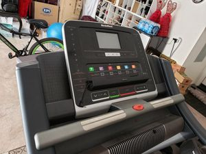 NordicTrack commercial 1750 treadmill for Sale in Irvine, CA