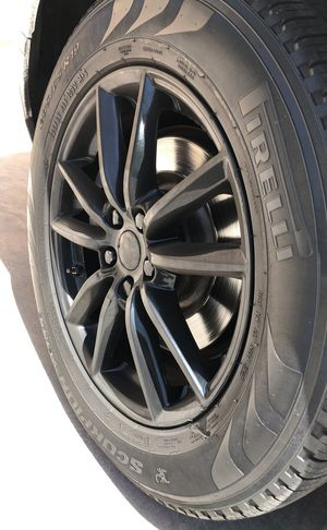TIRES WHEELS RIMS Range Rover PIRELLI 235/65/19 for Sale in Phoenix, AZ