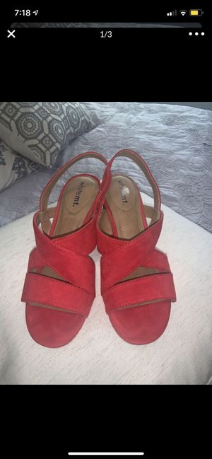 White Mountain Size 8 Red Heels for Sale in Miramar, FL