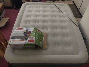 Queen size air bed w/ built in pump for Sale in Concord, CA