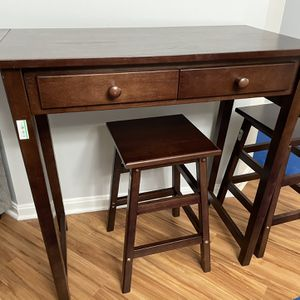Bar Stool Table for Sale in Alexandria, VA