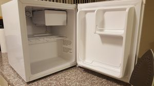 Emerson mini fridge - pick up only for Sale in Los Angeles, CA