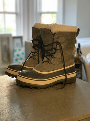 Gray Caribou Sorel women's boot, size 8 for Sale in Boston, MA