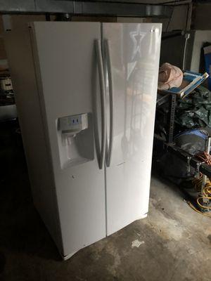Samsung White 26.7 Cu Ft Side By Side Fridge/Freezer for Sale in Bonney Lake, WA