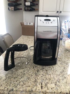 Cuisinart Grind and Brew 12 cup coffee maker for Sale in Fresno, CA