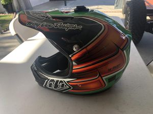 Dirt bike helmet for Sale in Azusa, CA