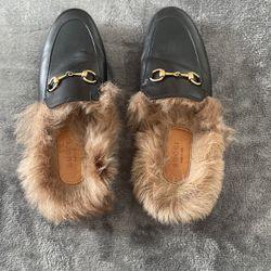 Gucci Slippers 36 1/2 for Sale in Miami,  FL
