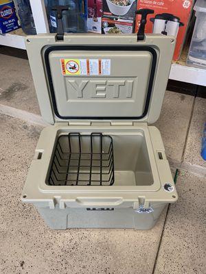 Yeti Cooler 35 for Sale in Northville, MI