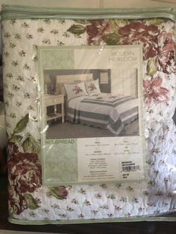 King bedspread for Sale in San Angelo,  TX