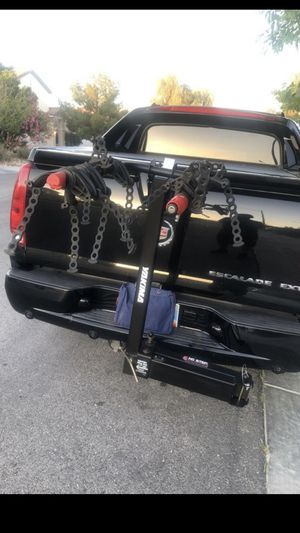"""Yakima 4 Bike Rack Hitch 2"""" Swings away from car with bikes loaded to provide easy access to rear of vehicle Simmons and Ann road for Sale in North Las Vegas, NV"""
