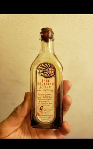 [RARE] Late 1800s RED CROSS baby soothing syrup bottle for Sale in Columbus, OH