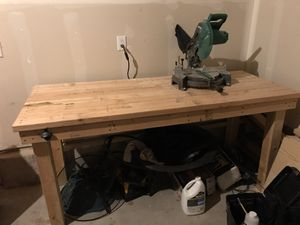 10in Miter saw and wood table for Sale in Thornton, CO
