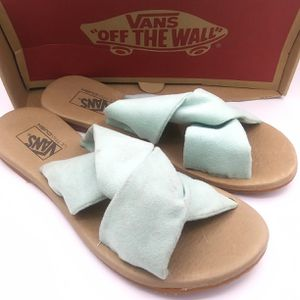 NEW Vans ayla suede leather slides Size 6 for Sale in Vancouver, WA