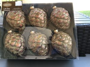 12 large pine cones for Sale in Payson, AZ