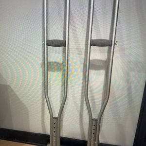 Adult size crutches for Sale in Schaumburg, IL