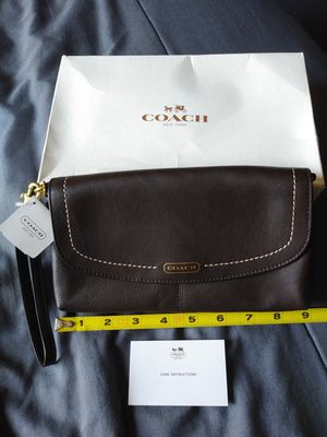 COACH Leather Large Wristlet Purse Clutch Bag for Sale in Norwalk, CA