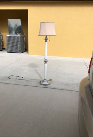 Floor lamp for Sale in Cape Coral, FL