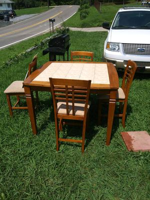Badcock and more wooden table.With 4 chairs. for Sale in Kingsport, TN