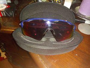 Oakley mens sunglasses for Sale in Wichita, KS