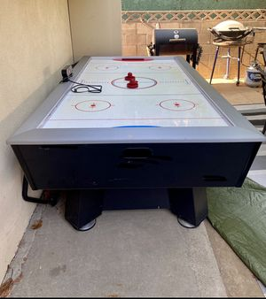 Air hockey table for Sale in Fullerton, CA