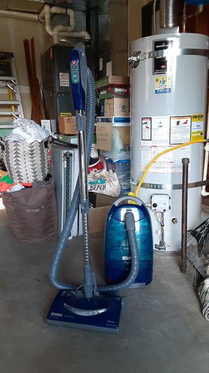 Kenmore progressive vacuum for Sale in Lacey, WA