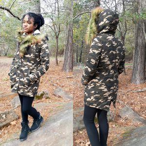 Brand NEW Beautiful Faux Fur Women's/Girls 3 in 1 Jacket/Coat for Sale in Auburn, GA