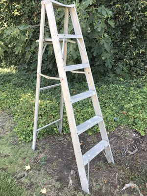 Aluminium ladder 6 feet for Sale in Anaheim, CA