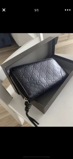Gucci wallet authentic for Sale in North Bellmore, NY