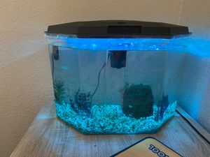 Small fish tank for Sale in Vacaville, CA