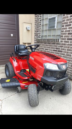 """LIKE-NEW Craftsman T-1200 42"""" Inch Riding Lawnmower W/Foot Pedal Speed Control for Sale in Aurora, IL"""