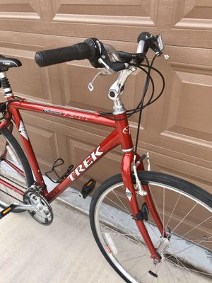 Trek Multi track 7300 Comfort bicycle for Sale in Las Vegas, NV