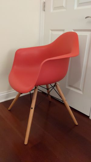 DHP Accent chair for Sale in Chicago, IL
