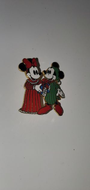 Disney Holiday 1992 (Mickey Mouse & Minnie Mouse) pin for Sale in Auburn, WA
