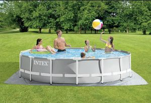 Intex 15x42 prism pool with filter pump for Sale in Chicago, IL