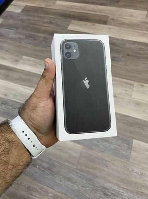 Iphone 11 64 gb T-MOBILE/MetroPcs EQ7R for Sale in Los Angeles, CA