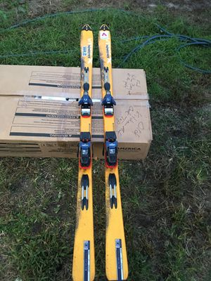 SALOMON XSCREAM SERIES X-scream skis for Sale in Hammonton, NJ