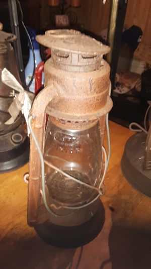 4 oil lanterns for Sale in Gloucester Point, VA