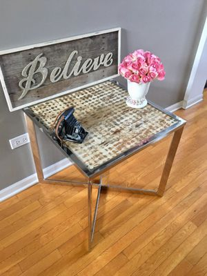 Beautiful Accent Table for Sale in Naperville, IL