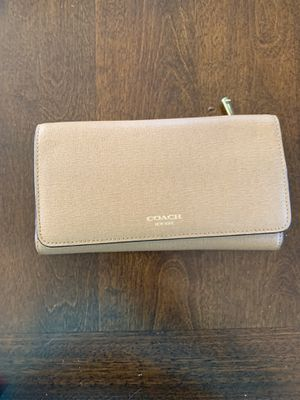 Beige Coach Trifold Wallet for Sale in West Haven, CT