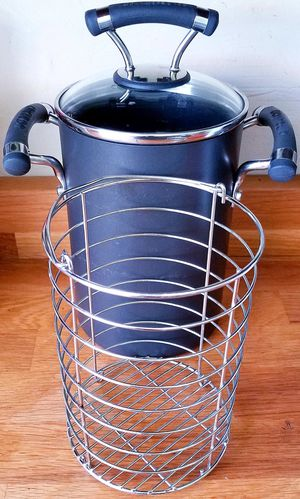 Circulon Acclaim 3.5-qt Covered Asparagus Pot with Steamer for Sale in San Antonio, TX